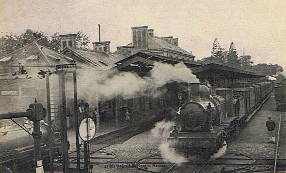 Départ du train en gare de Quimper